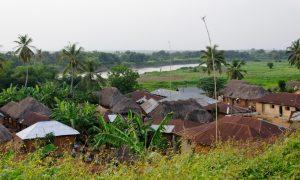 quartier d'Adjohoun pr_s du fleuve Ou_m_ (FILEminimizer)
